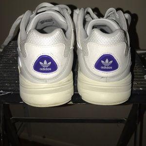 adidas Shoes - Adidas Yung - 96
